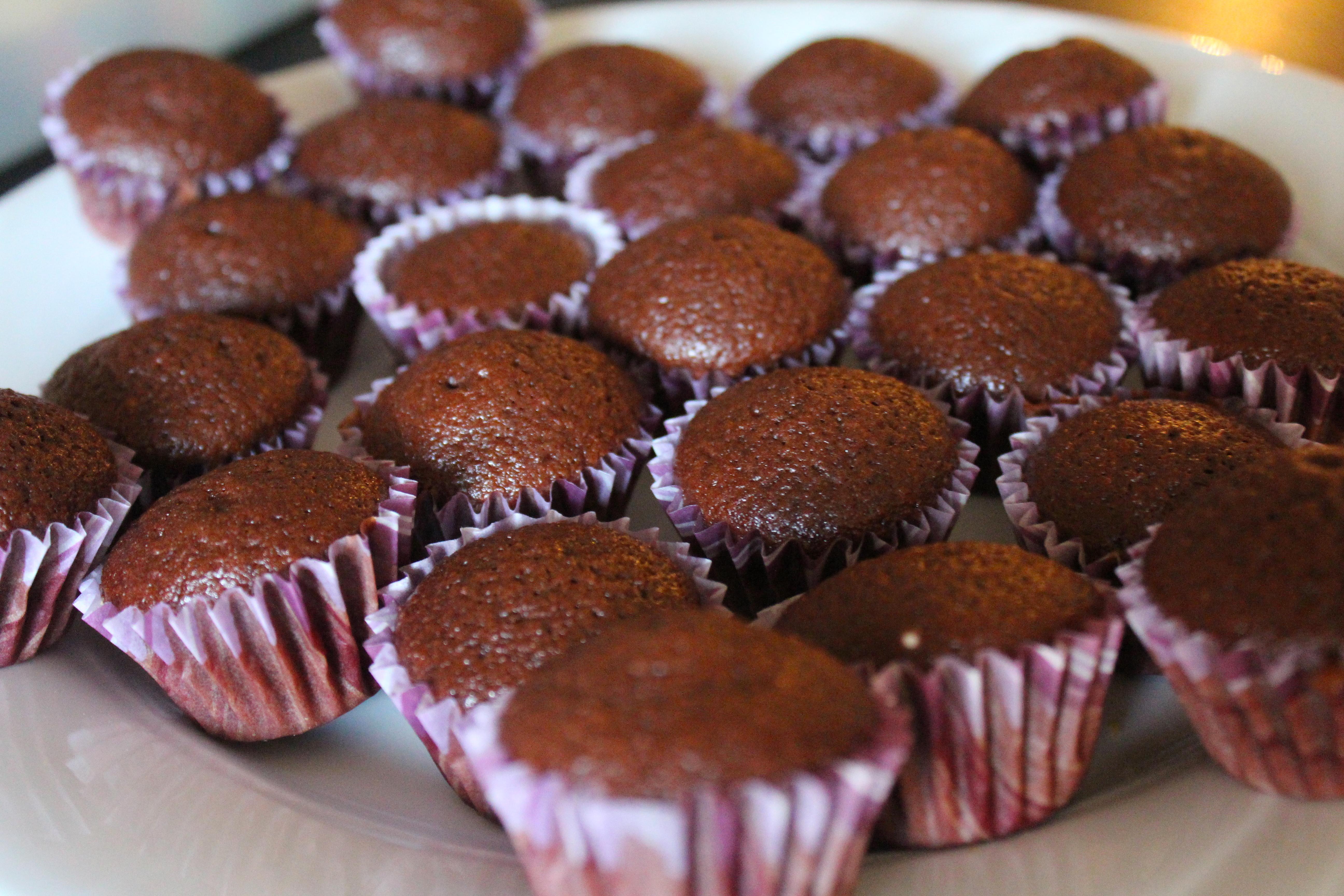 Caramel Fleur De Sel Cupcakes With Dulce De Leche Lovely